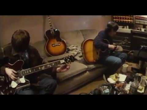 Oasis Record 'Champagne Supernova'  (Rare Video)