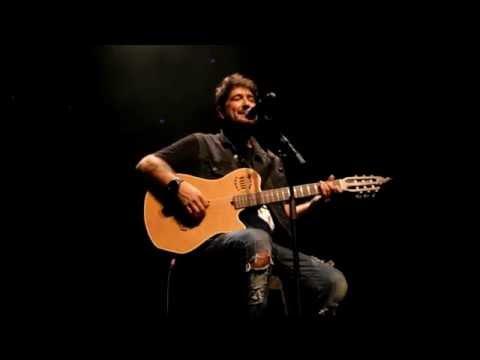 Momentos únicos con Antonio Orozco a la guitarra en Pamplona