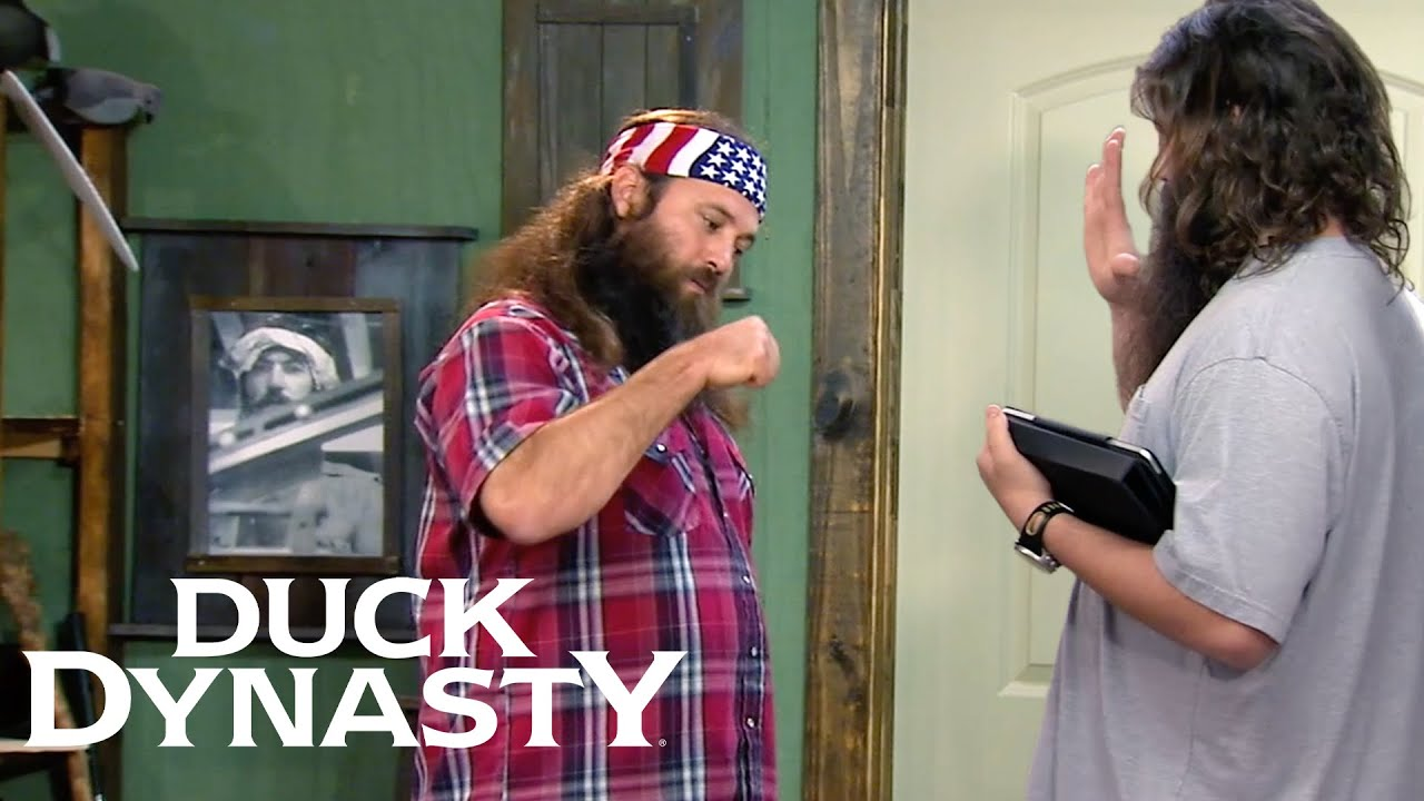 Download Duck Dynasty: Willie Hires Johnny D. As His Assistant (S5)