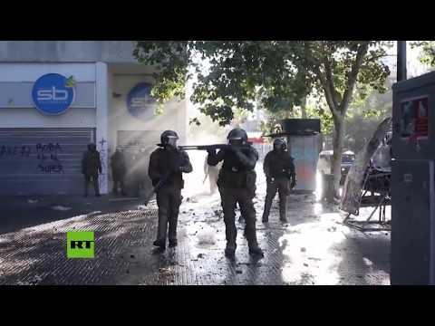 RT en Español: Violencia y detenciones en las calles de Santiago de Chile