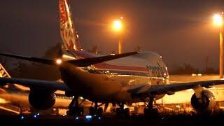 小松空港がカーゴルクスの機体を照らし出す  Cargolux Boeing 747-8R7F/SCD LX-VCH