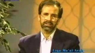 Do Ahmadis replace Hajj to Mecca with a Hajj to Qadian?