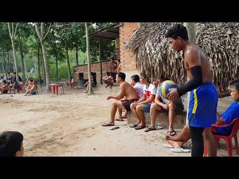 Bong chuyen vietnam vs campuchia(khlang cung đồng đội vs đăng,diu,toàn,bảo) set 2