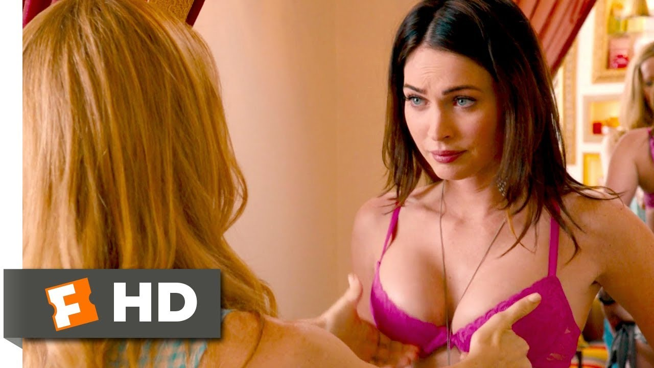 Sexy megan fox boobs