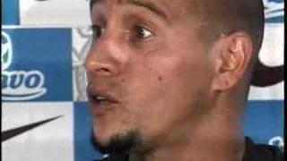 18/01/2010 - Em coletiva, Roberto Carlos revela mágoa com o narrador Galvão Bueno