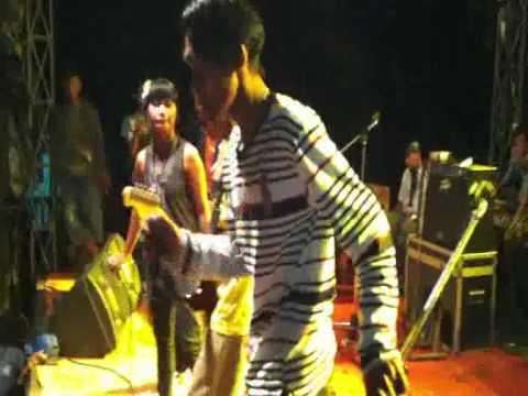 D'P@S'4_Aku Tak Pantas Untukmu (Live in Bogor).3gp