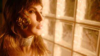 Смотреть клип Corina X Geneva - Superstar