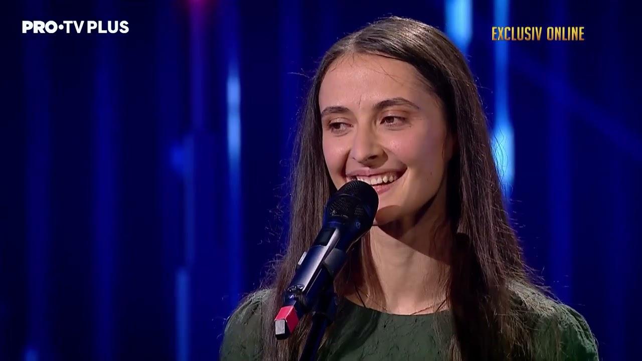 Laura Dinu a venit la Românii au talent pentru a descoperi dacă muzica este drumul ei