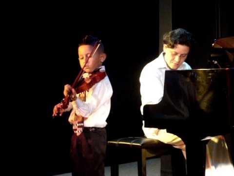 Adrian Gutierrez Recital 6610.MPG