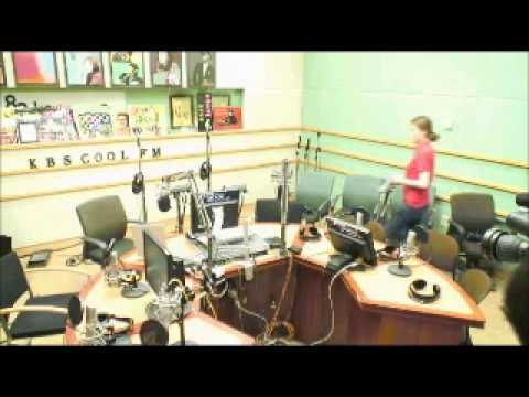 130530 SUKIRA - Ending... Ryeowook And EXO Member Hugging