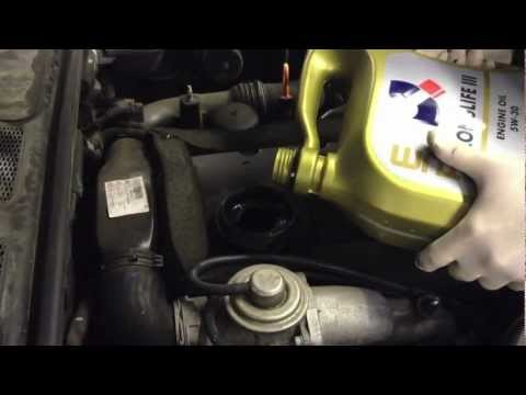 """Topping up your VW engine oil - """"How to"""""""