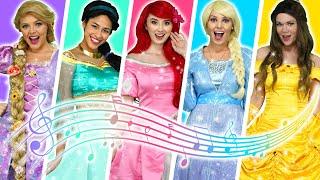 DISNEY PRINCESS SONGS MEDLEY– MUSIC VIDEO WITH FROZEN ELSA, BELLE, ARIEL, RAPUNZEL & TIANA Totally