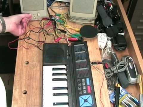 Modifying the Yamaha PSS100 Electronic Synthesizer Keyboard Audio Output