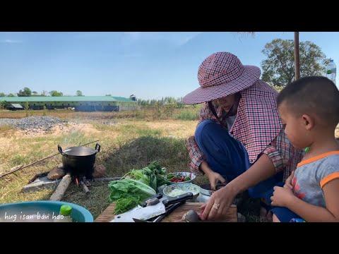 แกงอ่อมเนื้อ ตำส้มตำ thai cooking food village อาหาร