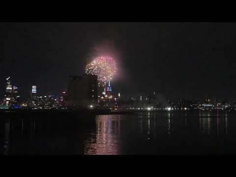 Watch This! UFO Sightings New York Public React! Are We Alone? You Decide Sept, 2014 from YouTube · Duration:  10 minutes 22 seconds