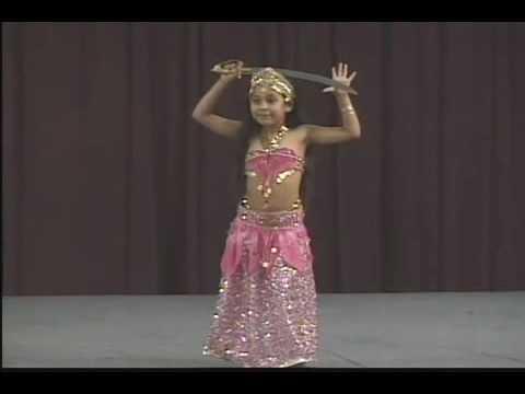Filles ukrainiennes dansant mieux