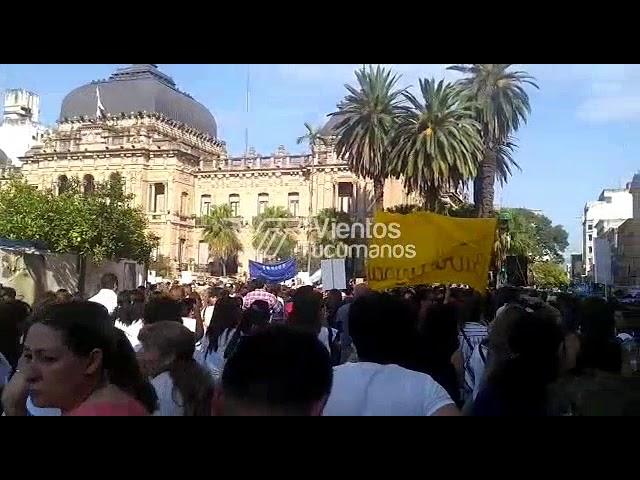 Movilización en Plaza Independencia - Docentes autoconvocados