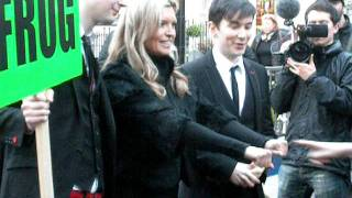 Tina Hobley (Chrissie) performes magic on Carnaby Styreet.
