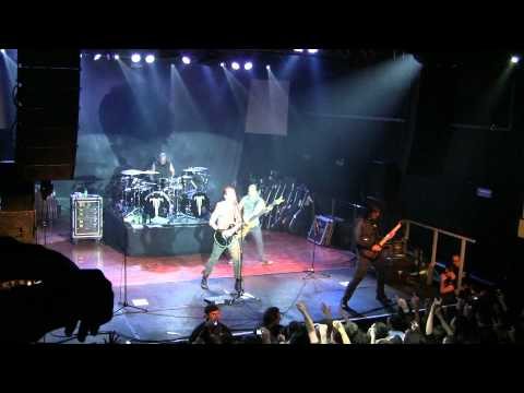 Trivium - Ignition (05.11.2011, Milano, Magazzini Generali)