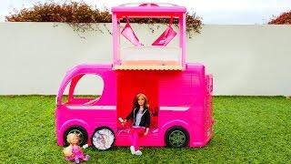 Пикник на природе - Барби и ее дочка отдыхают. Видео для детей.