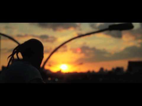 ACORDA PRA VIDA - NAVI SAGAHCT feat. DAVID HUBBARD (Clipe Oficial)