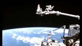 これが噂の「ファストウォーカー」なのか?国際宇宙ステーションのカメラがとらえた高速で移動する謎の未確認物体