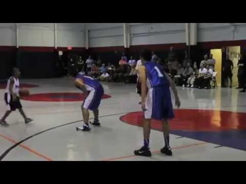 """Newman """"Siêu thần đồng"""" bóng rổ 11 tuổi của Mỹ 2012"""