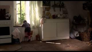 NANA de Valérie Massadian - Trailer