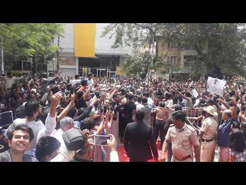 Ms Dhoni at SEVEN store inauguration in Bangalore