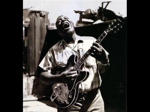 Runco's Weekly Music - Howlin' Wolf - Smokestack Lightnin'