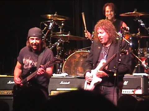 Y&T - Rythm Or Not - The Mystic, Petaluma 2004-12-03 (with Joey Alves and Jimmy DeGrasso)