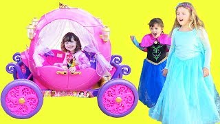 Ava Isla & Olivia Pretend Play with Princess Carriage Toy Ride-On