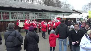 Tomteorkestern spelar på Huseby Julmarknad 2012