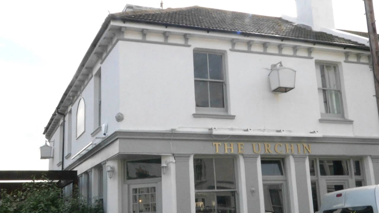 Investigation launched at Hove restaurant after food poisoning - YouTube