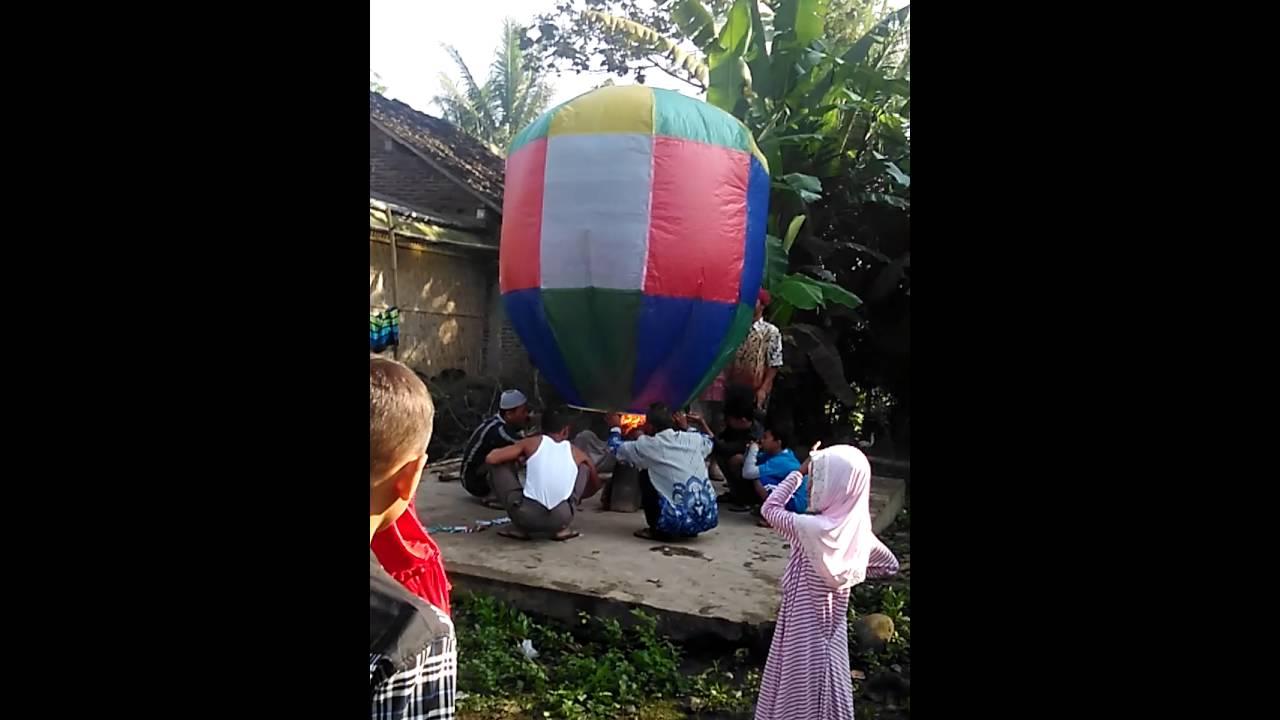 Download Tradisi balon udara salaman magelang