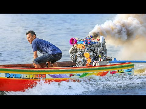 Drag Racing Turbo Longtail Thai Riverboats in Bangkok