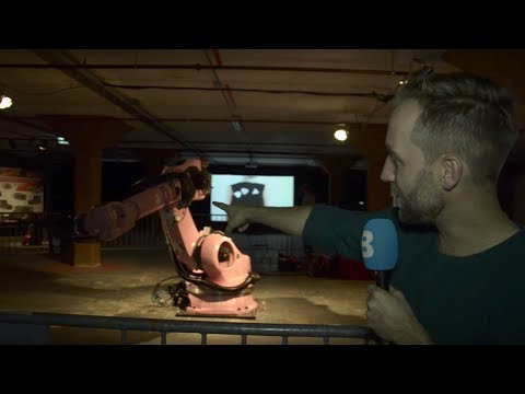 Dutch Design Week: breingestuurd robotleger, privacy-jas en camera-handschoen