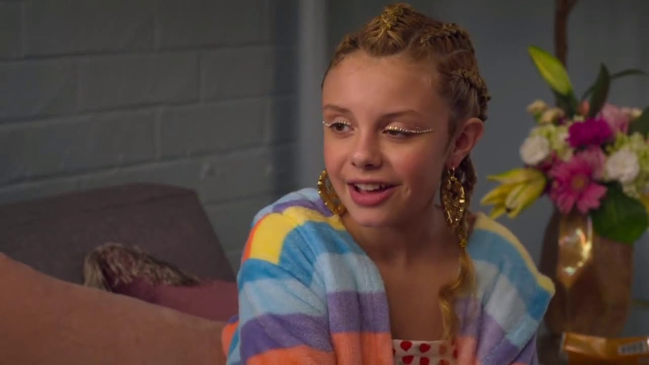 Download ON MY BLOCK SEASON 3 | Jamal meets Ainsley Riches