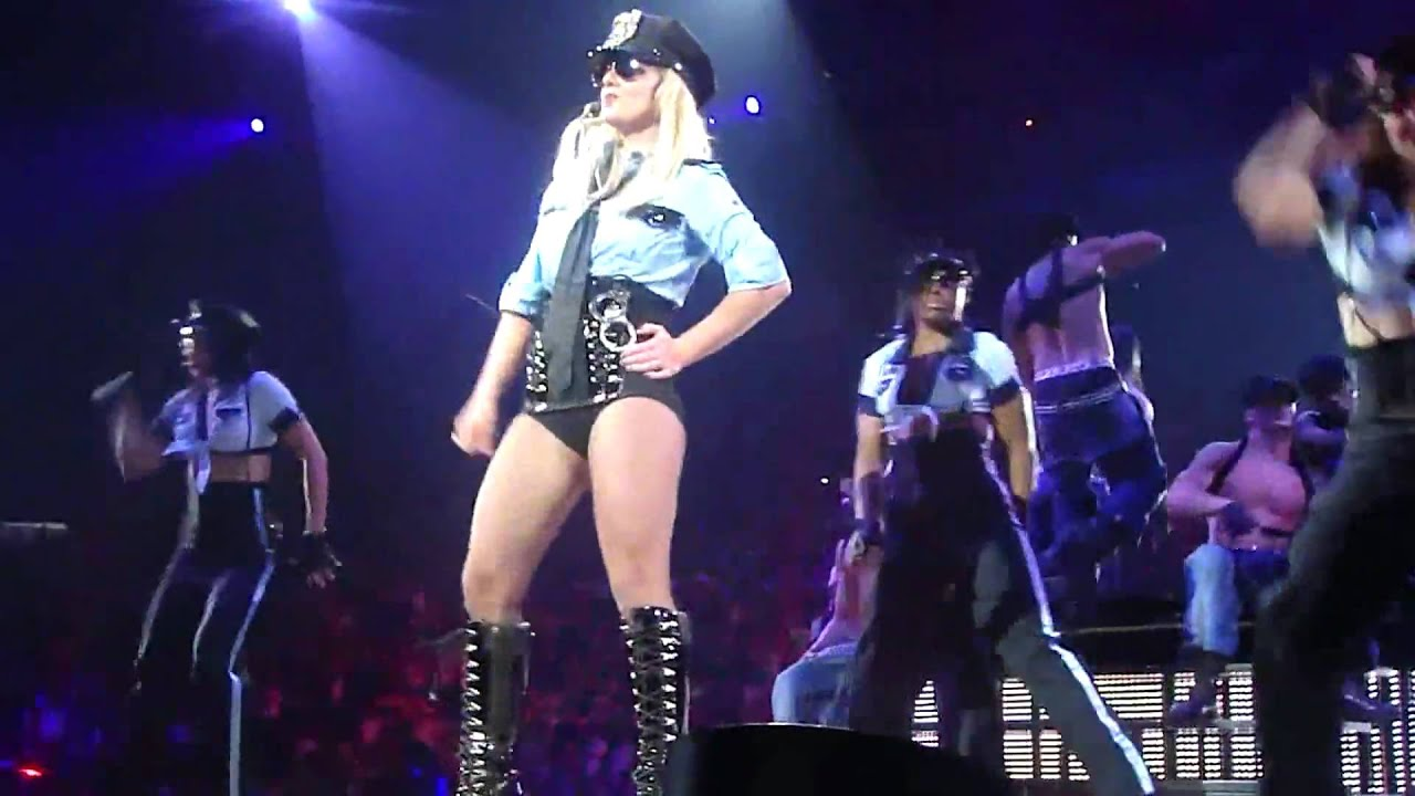womanizer live britney spears circus tour dvd multiangle