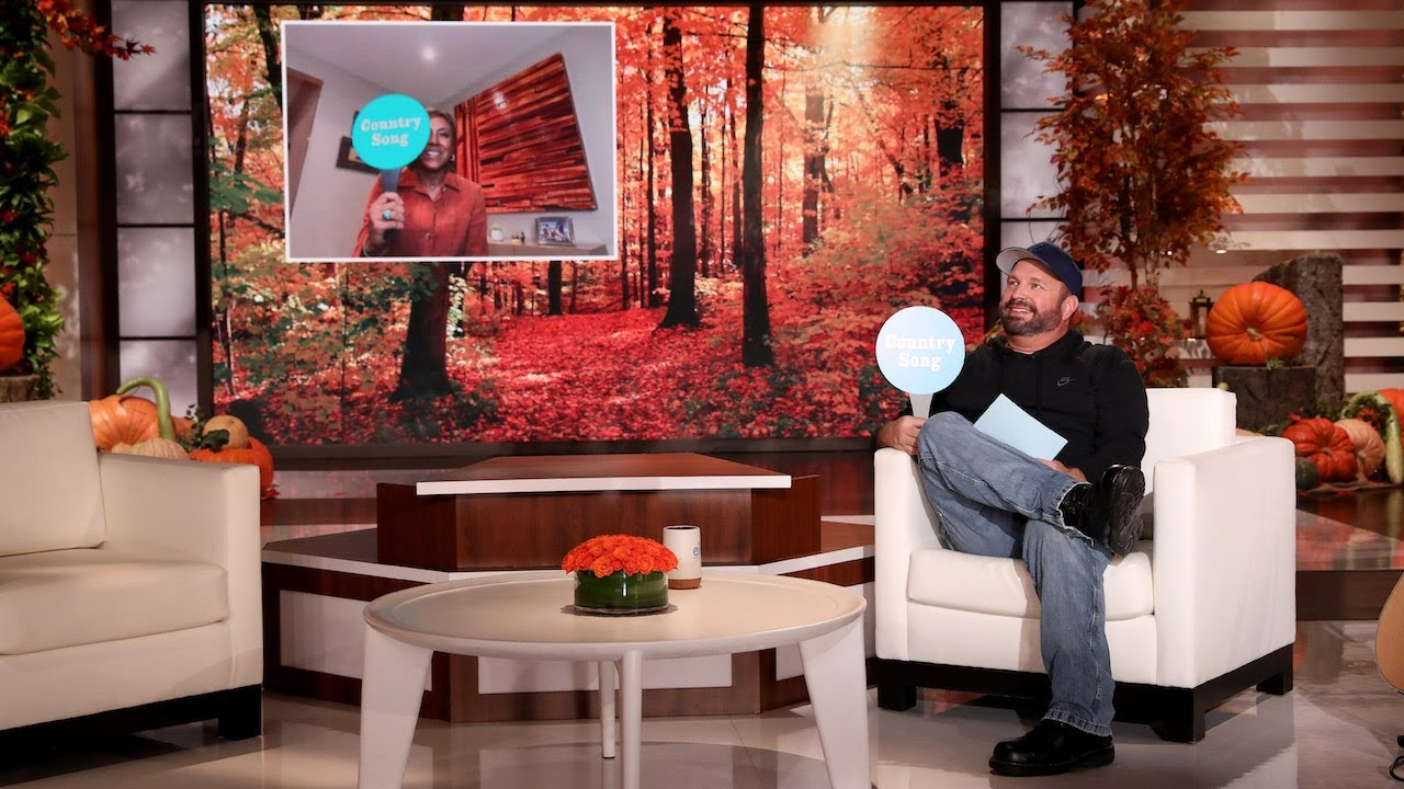Robin Roberts & Garth Brooks Play 'Country Song or Country Wrong'