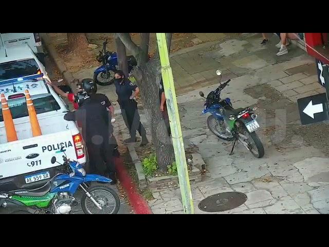 Con las cámaras pudieron ver cuando intentaba vender un celular robado y lo detuvieron