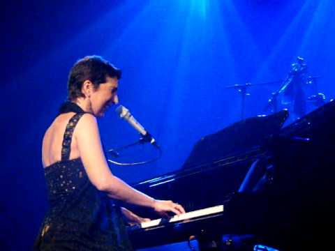 Dulce Pontes - Ondeia (Live at Tolosa, Spain)