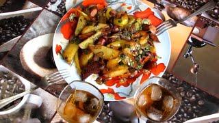 Жаренная картошка с охотничьими колбасками по домашнему
