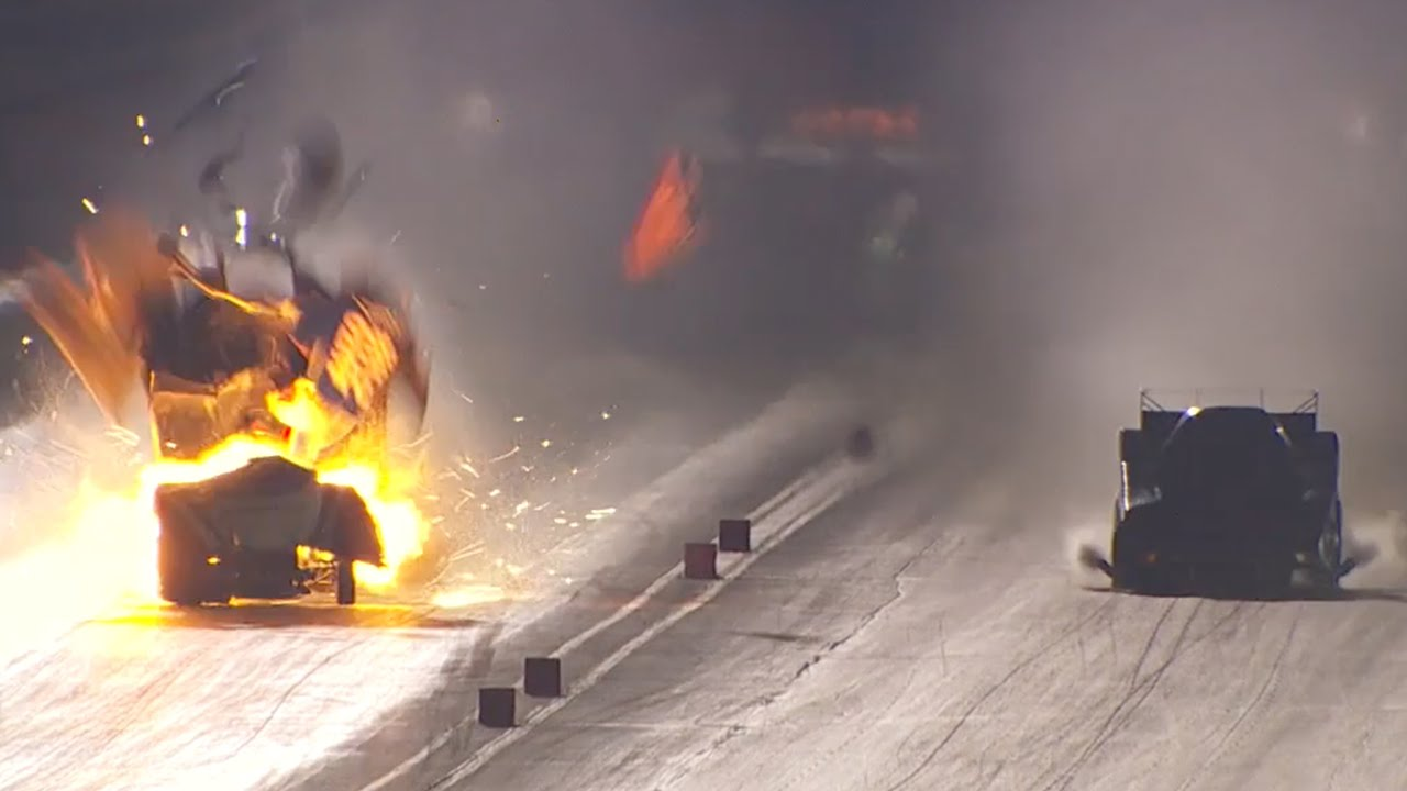 Robert Hights Funny Car Engine Has HUGE Explosion At