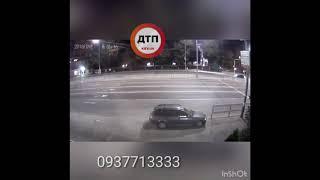 Мажоры бесятся. Ночной заезд с нарушениями ПДД в центре Киева на бульваре выше украинке водителя авт