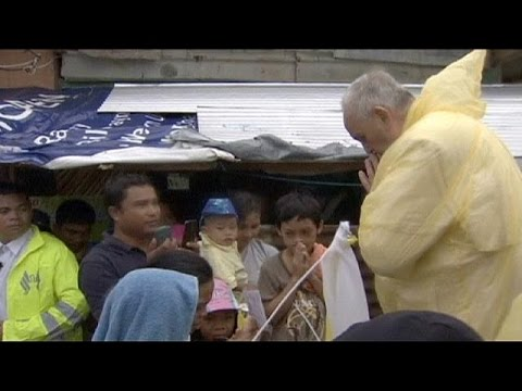 Papa Francis'ten Filipinli afetzedelere:...