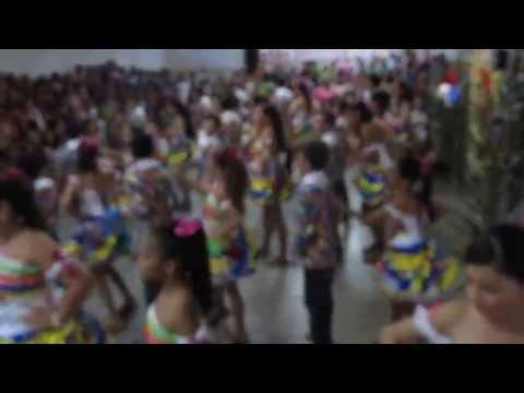 Assista: Grupo do de dança CES