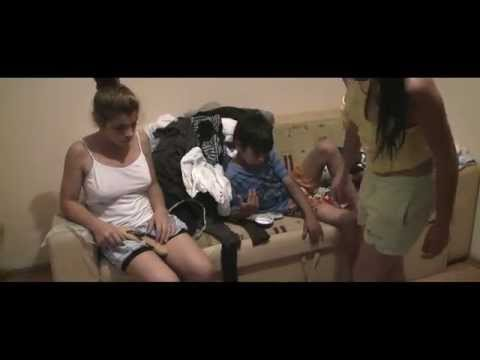 Trailer do filme Toto and his sisters