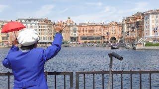ヴェネチアンゴンドラに手を振るファンカストさん