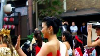 2008年 京都・時代祭で華を添えられました。